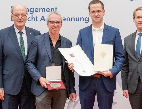 Ministerpräsident zeichnet VfB zum 100-jährigen Jubiläum aus