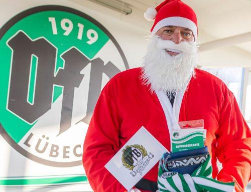 Grün-Weiße Weihnacht: VfB-Kicker helfen beim Baumverkauf und Punsch-Ausschank